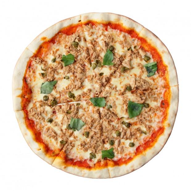Pizza Dukan de atum com requeijão zero, feita com massa de farelo de aveia (Divulgação)